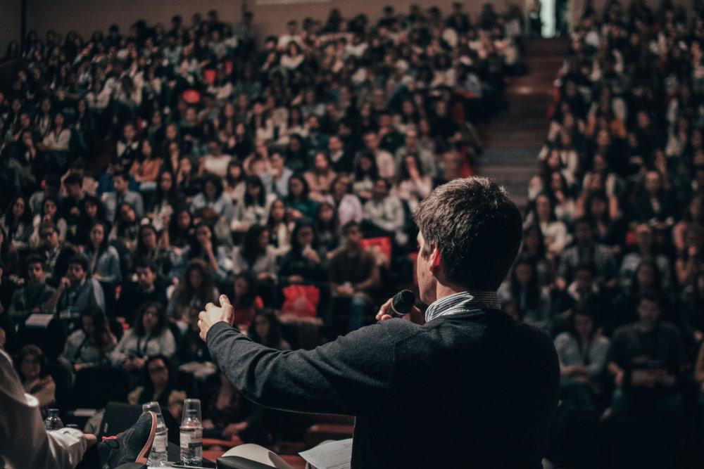 メインビジュアル カンファレンスのイメージ画像
